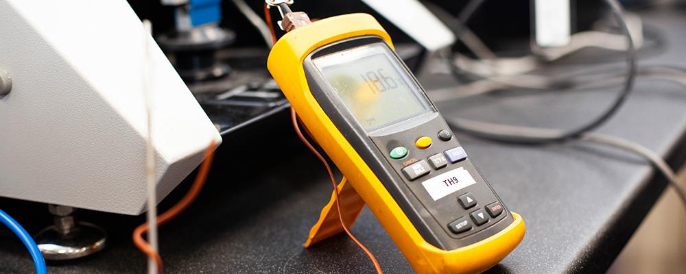 Testing equipment calibration equipment